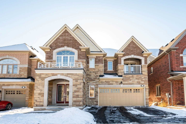 40 Arrowpoint Dr, Brampton