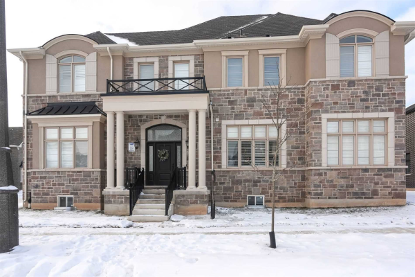 301 Pebble Gdns, Oakville