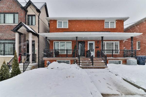 322 Gilbert Ave, Toronto