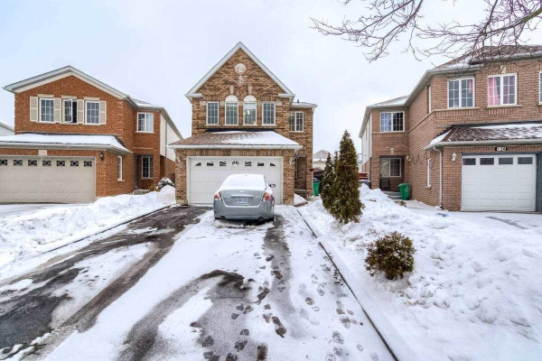 136 Bunchberry Way, Brampton