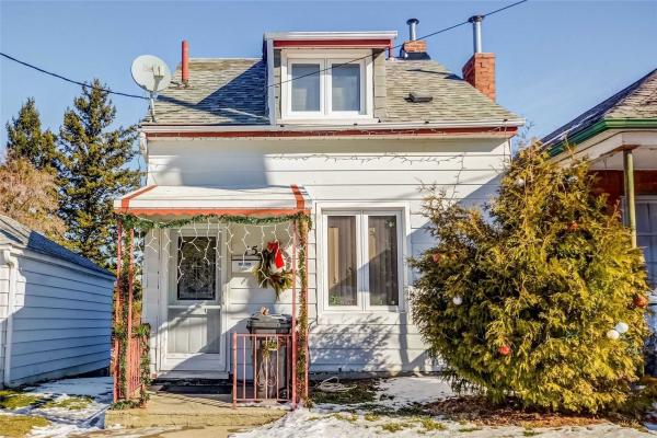 15 Woodcroft Cres, Toronto
