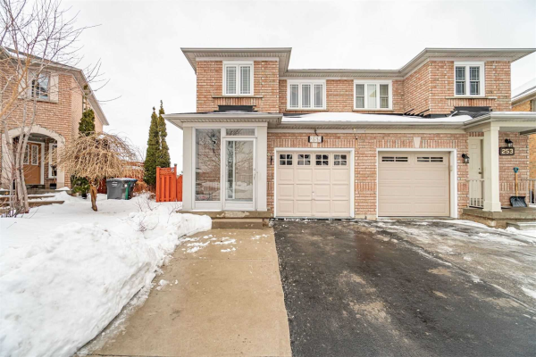 255 Morningmist St, Brampton