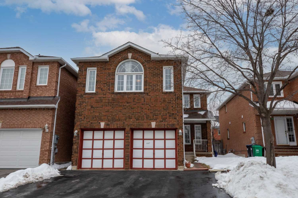 847 Winterton Way, Mississauga