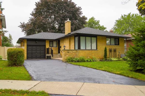 15 Deanefield Cres, Toronto