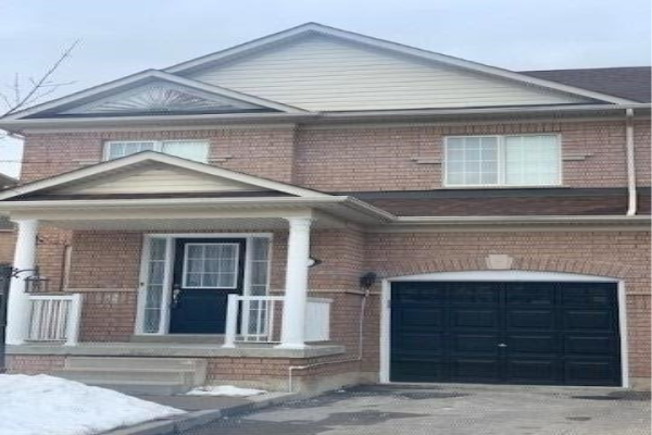 11 Topiary Lane, Brampton