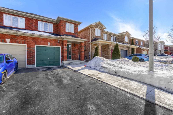 39 Roadmaster Lane, Brampton