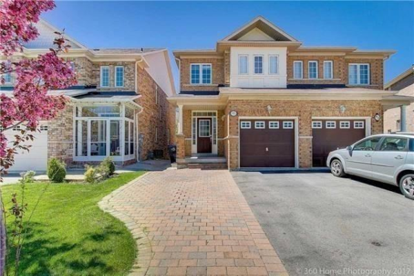 93 Eastview Gate, Brampton