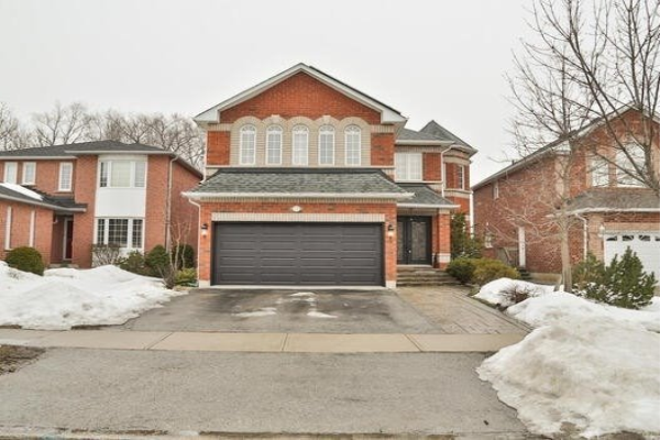 16 Webster Way, Halton Hills