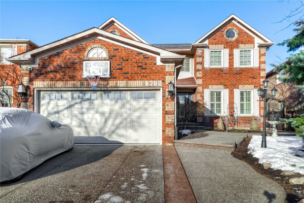 1702 Heritage Way, Oakville
