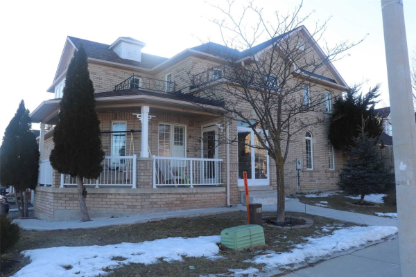 160 Queen Mary Dr, Brampton