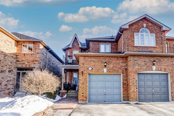 21 Carriage House Rd, Caledon