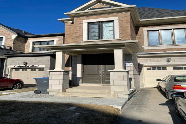 4 Angele Fish Rd, Brampton