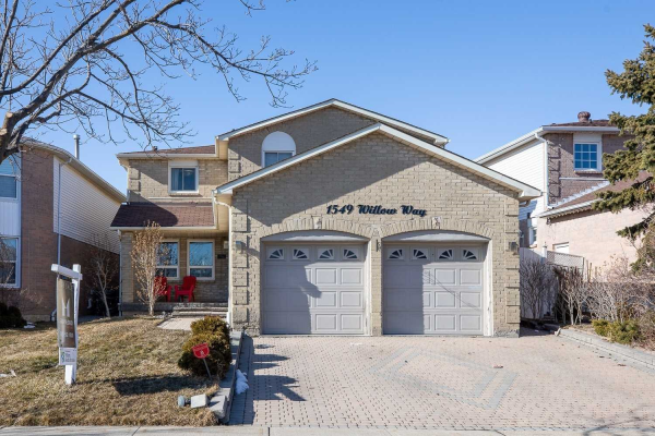 1549 Willow Way, Mississauga