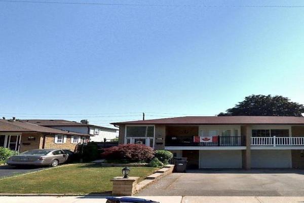 807 Consort Cres, Mississauga