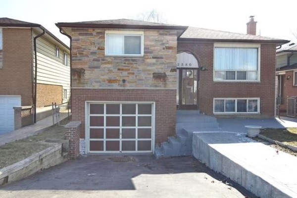 3580 Brandon Gate Dr, Mississauga
