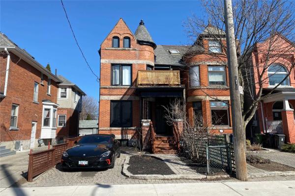 359 Pacific Ave, Toronto