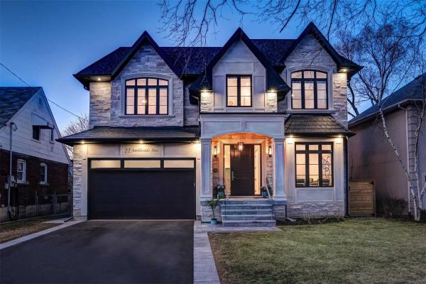 22 Ambleside Ave, Toronto