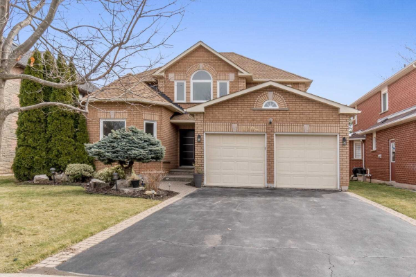 1104 Sheltered Oak Cres, Oakville