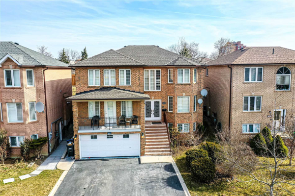 1627 Barbertown Rd, Mississauga