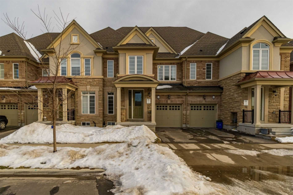 538 Terrace Way, Oakville