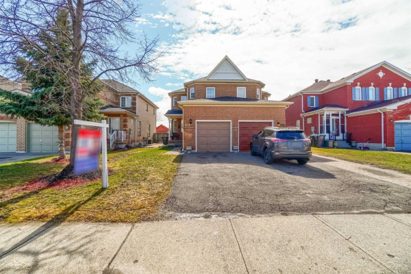 322 Pressed Brick Dr, Brampton