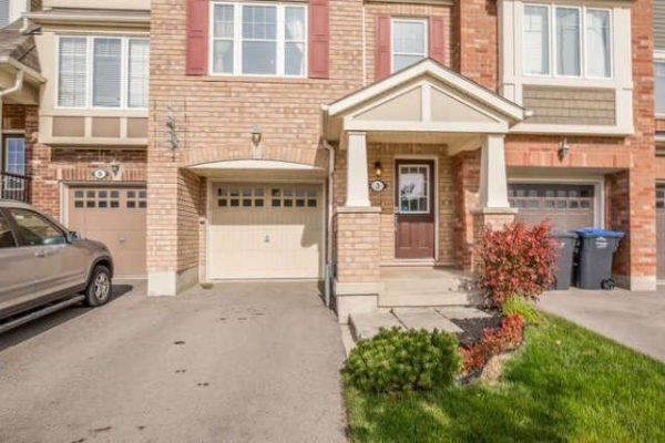 3 Betterton Cres