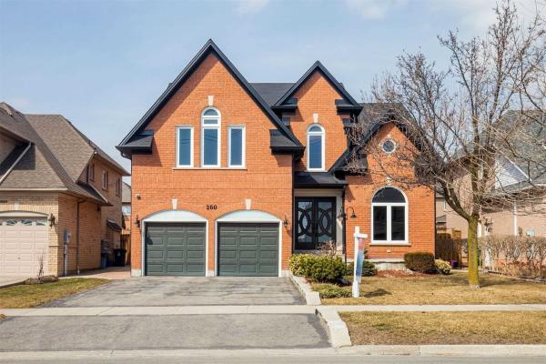 260 Falstaff Ave, Toronto