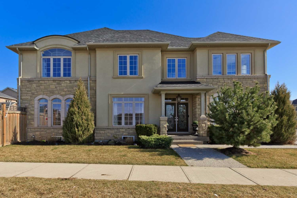 2525 Grand Oak Tr, Oakville