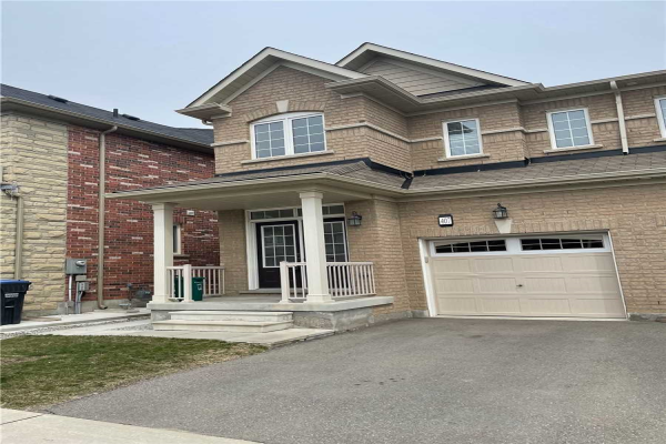 407 Queen Mary Dr, Brampton