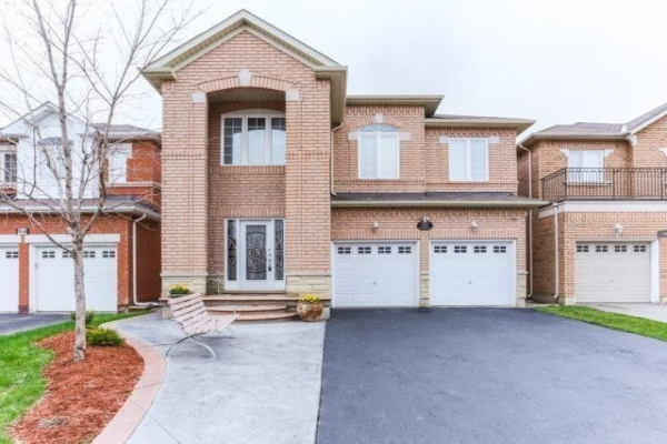 92 Sir Jacobs Cres