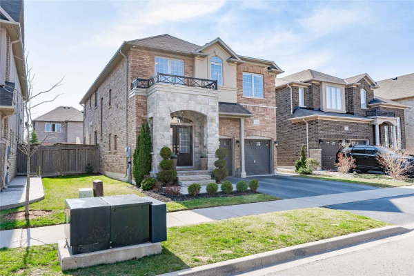 3226 Saltaire Cres