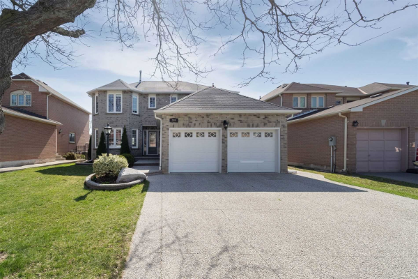 384 Carrier Lane, Oakville