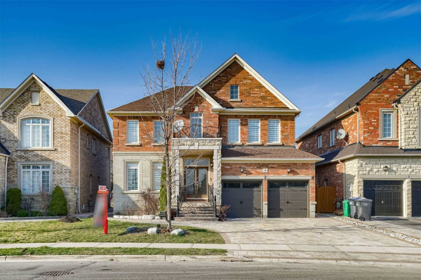 4 Mount Royal Circ, Brampton