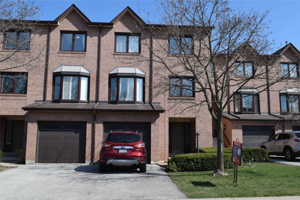 1100 Queens Ave, Oakville