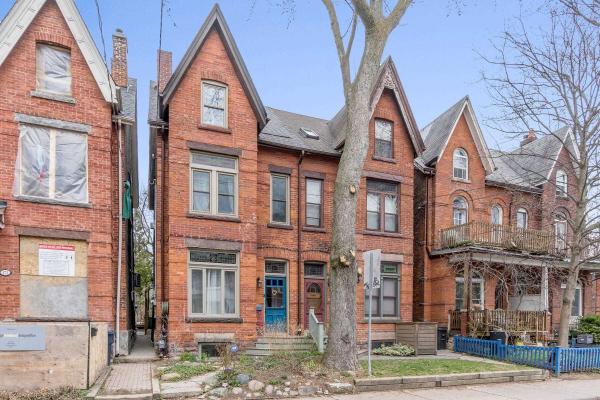 169 Sorauren Ave, Toronto