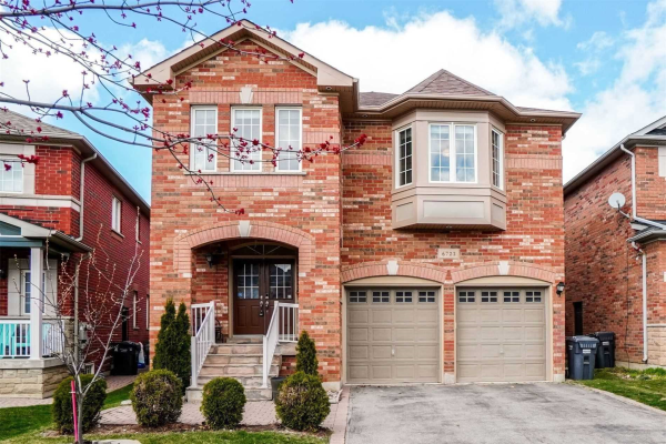 6722 Golden Hills Way, Mississauga