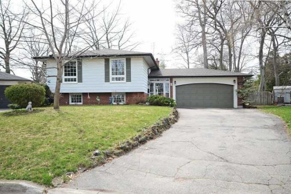 1520 Moss Glen Crt, Burlington