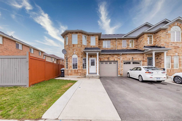 73 Commodore Dr