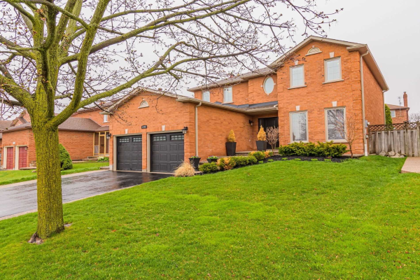 1233 Creekside Dr, Oakville