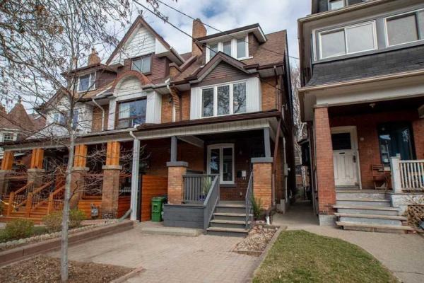8 Constance St, Toronto