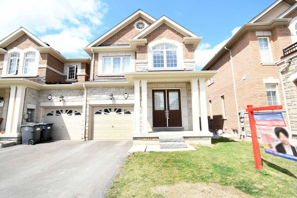 56 Hogan Manor Dr, Brampton