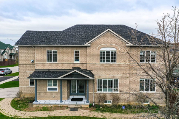 3228 Camberwell Dr, Mississauga