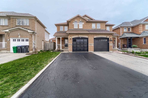 16 Twin Pines Cres, Brampton