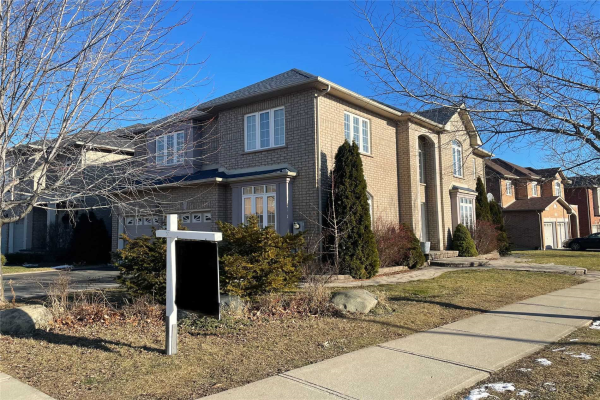 2389 Grand Oak Tr, Oakville