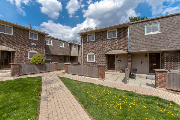 1302 Guelph Line, Burlington