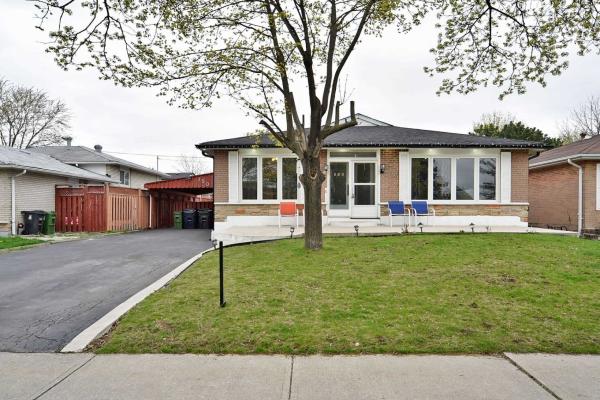 150 Mount Olive Dr, Toronto
