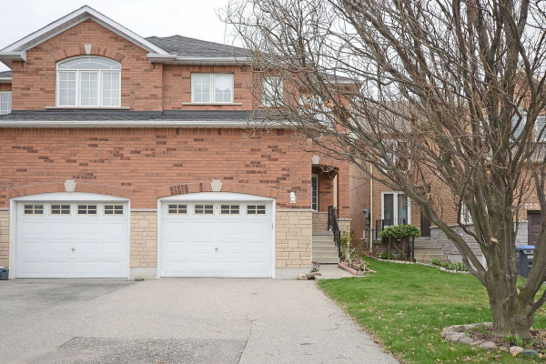 737 Stonebridge Ave, Mississauga
