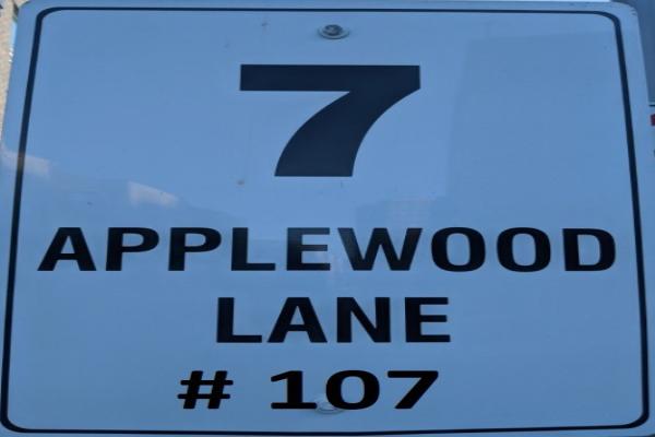 7 Applewood Lane, Toronto