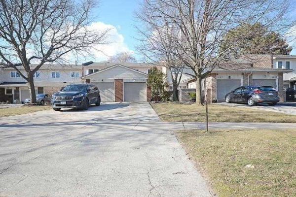 5165 Banting Crt, Burlington