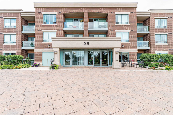 25 Via Rosedale Way, Brampton